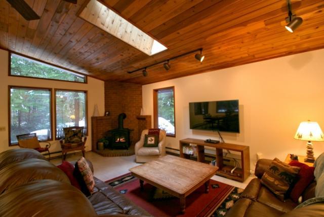 Mt. Baker Lodging Cabin #23 – HOT TUB, WIFI, SAUNA, POOL TABLE, SLEEPS-6! photo 59610