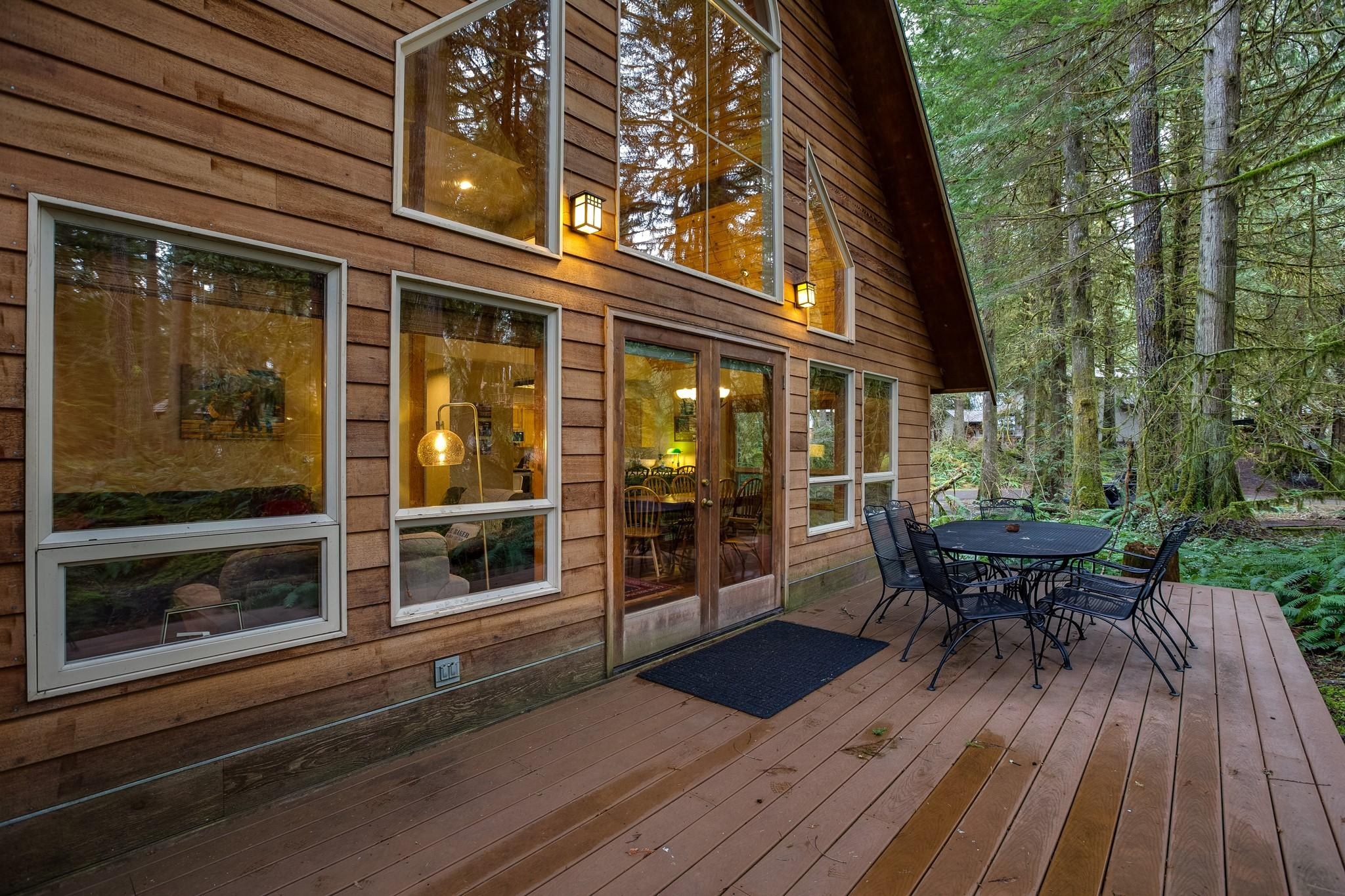 Apartment Mt  Baker Lodging Cabin 40  ndash  HOT TUB  BBQ  PET FRIENDLY  WIFI  SLEEPS 8  photo 30889378