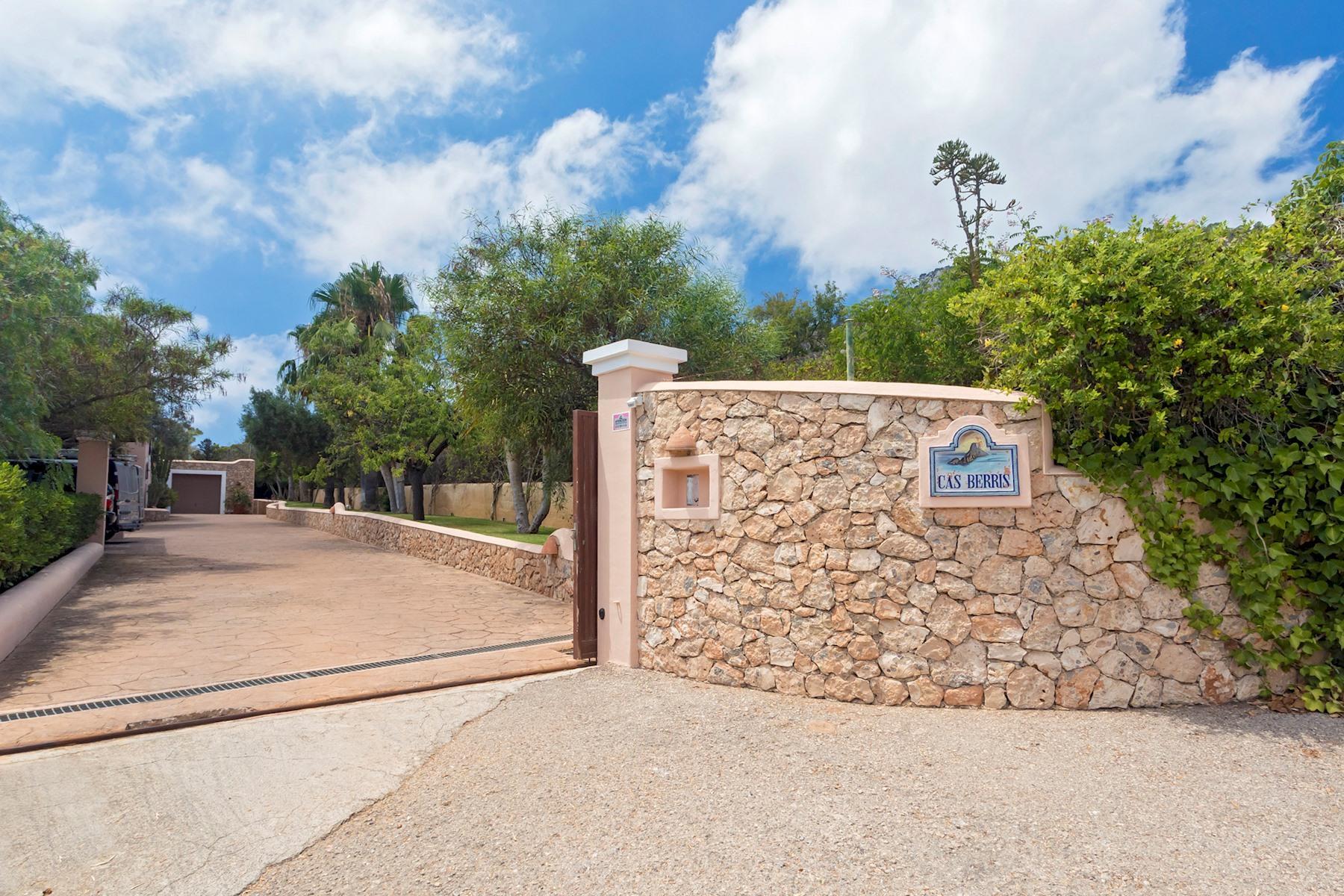 Apartment Villa Cas Berris  Lujo y Vista mar en Es Cubells photo 17812532