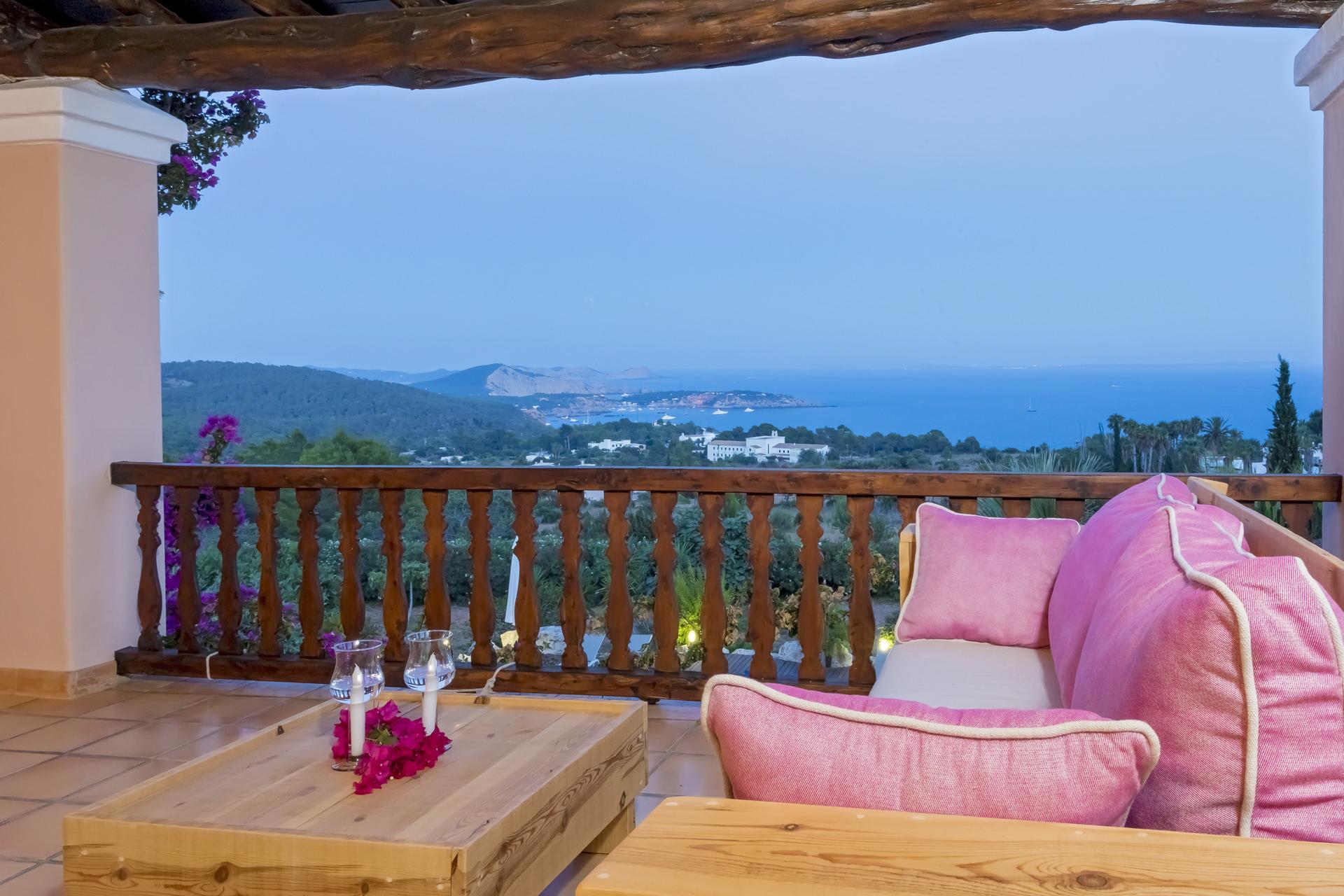 Apartment Villa Cas Berris  Lujo y Vista mar en Es Cubells photo 17644657