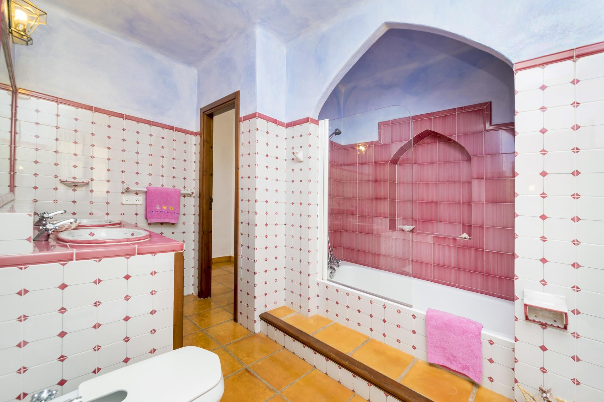 Apartment Villa Cas Berris  Lujo y Vista mar en Es Cubells photo 17719997