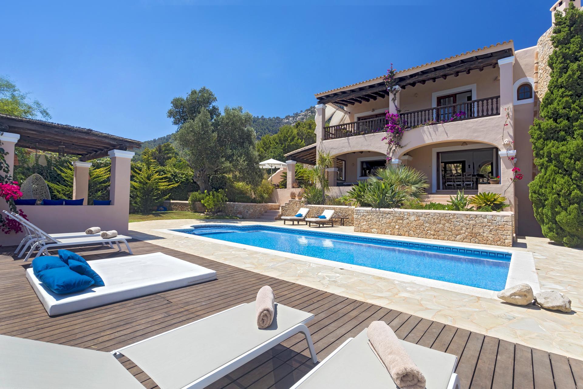 Villa Cas Berris. Lujo y Vista mar en Es Cubells photo 17812526