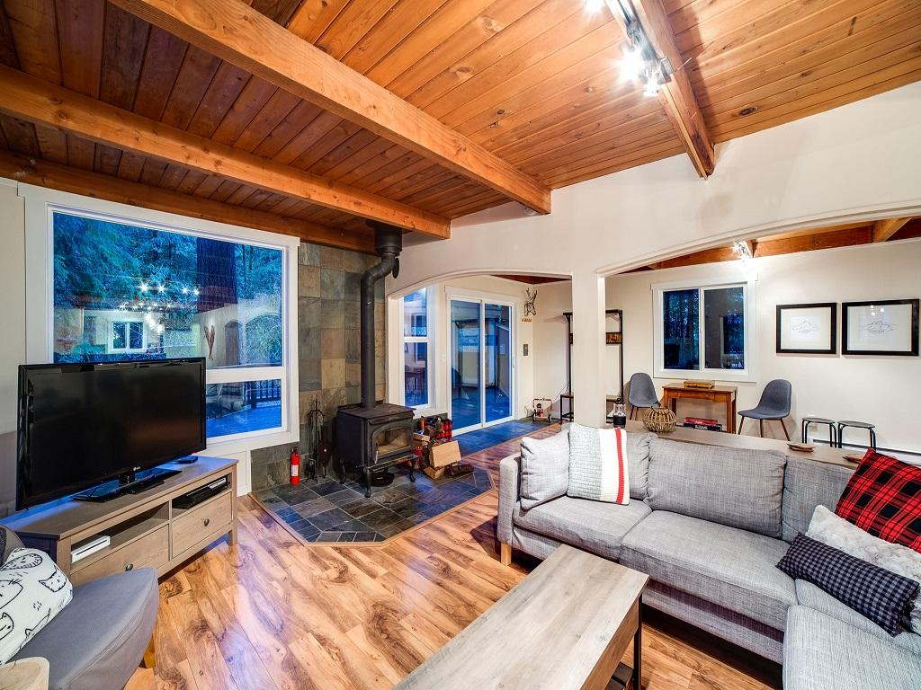 Mt. Baker Lodging Cabin #66 – HOT TUB, WOOD STOVE, BBQ, WIFI, SLEEPS-10! photo 4001904