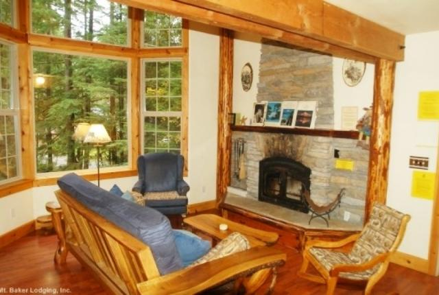 Mt. Baker Lodging Cabin #25 – HOT TUB, BBQ, WIFI, PETS OK, SLEEPS-6! photo 59651