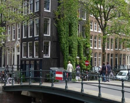 corner of canals