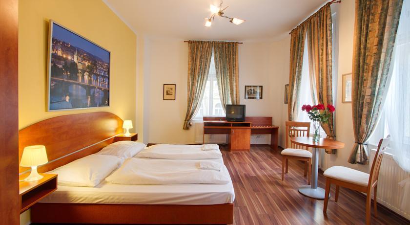 Spacious Apartment in the City center of Prague photo 31595355
