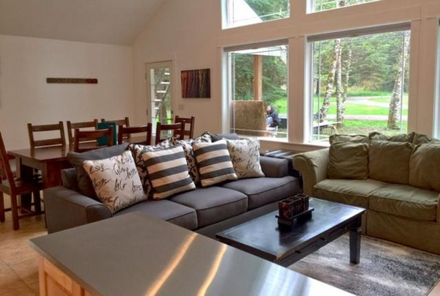 Mt. Baker Lodging Cabin #1 – HOT TUB, BBQ, PETS OK, WIFI, SLEEPS-8! photo 59114