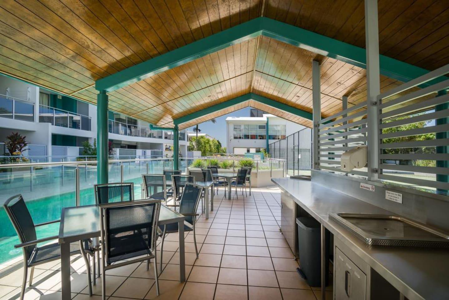 Apartment 2BR Coolum Beach    Rooftop Terrace   Spa   Tennis   Pool photo 26289862