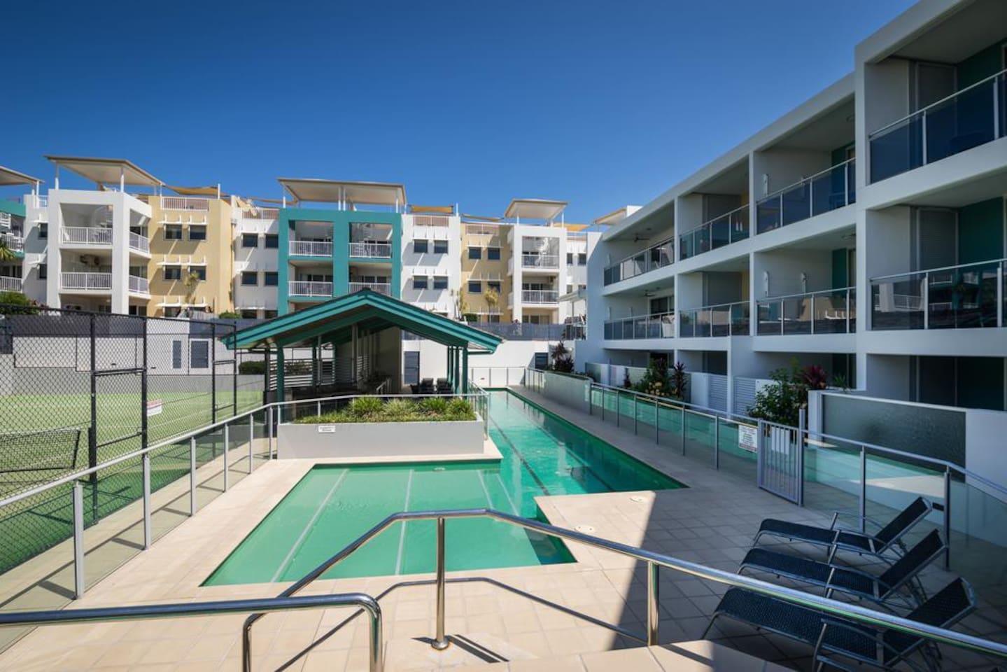 Apartment 2BR Coolum Beach    Rooftop Terrace   Spa   Tennis   Pool photo 26289861