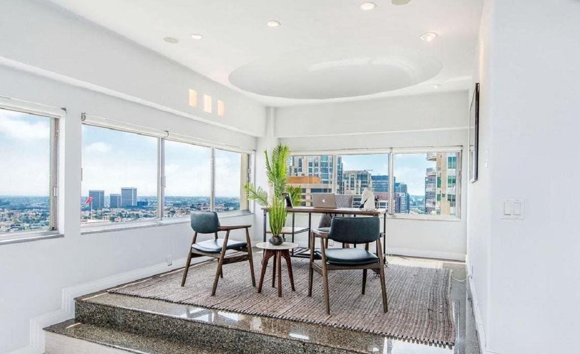 Apartment Exquisitely renovated 2 bed   den 2bath photo 5729854