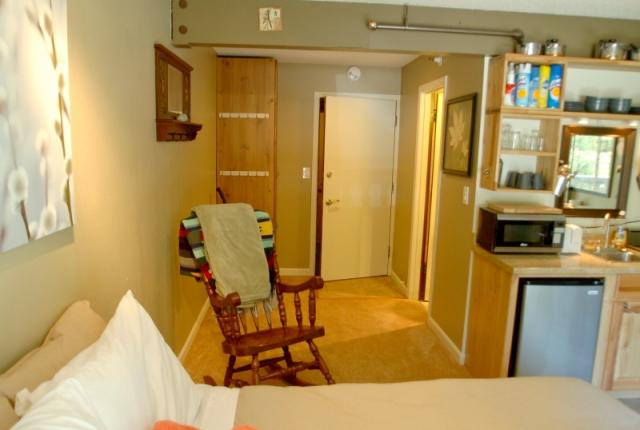 Mt. Baker Lodging Condo #37 – WIFI, ECONOMICAL, CONVENIENT, KITCHENETTE, SLEEPS-2! photo 60041