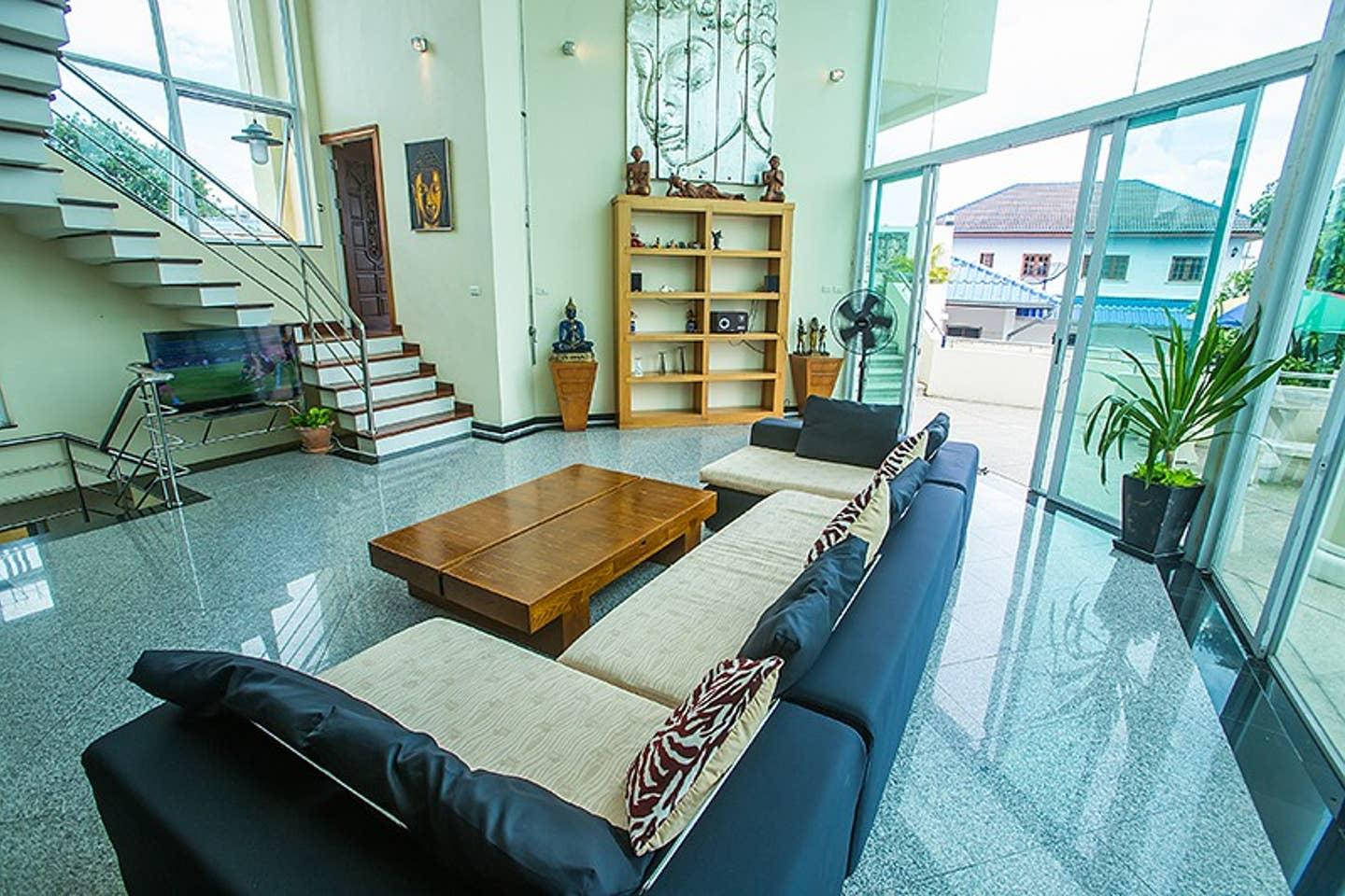 Apartment 5BR Private Pool Villa in Amazing Pattaya w Sun deck Parking photo 22534353